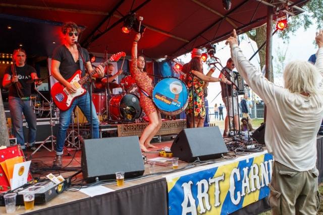 Papaformigas - Art Carnivale